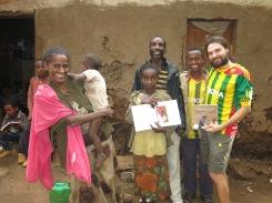 la familia de la Alegría. Gambo. Etiopía.